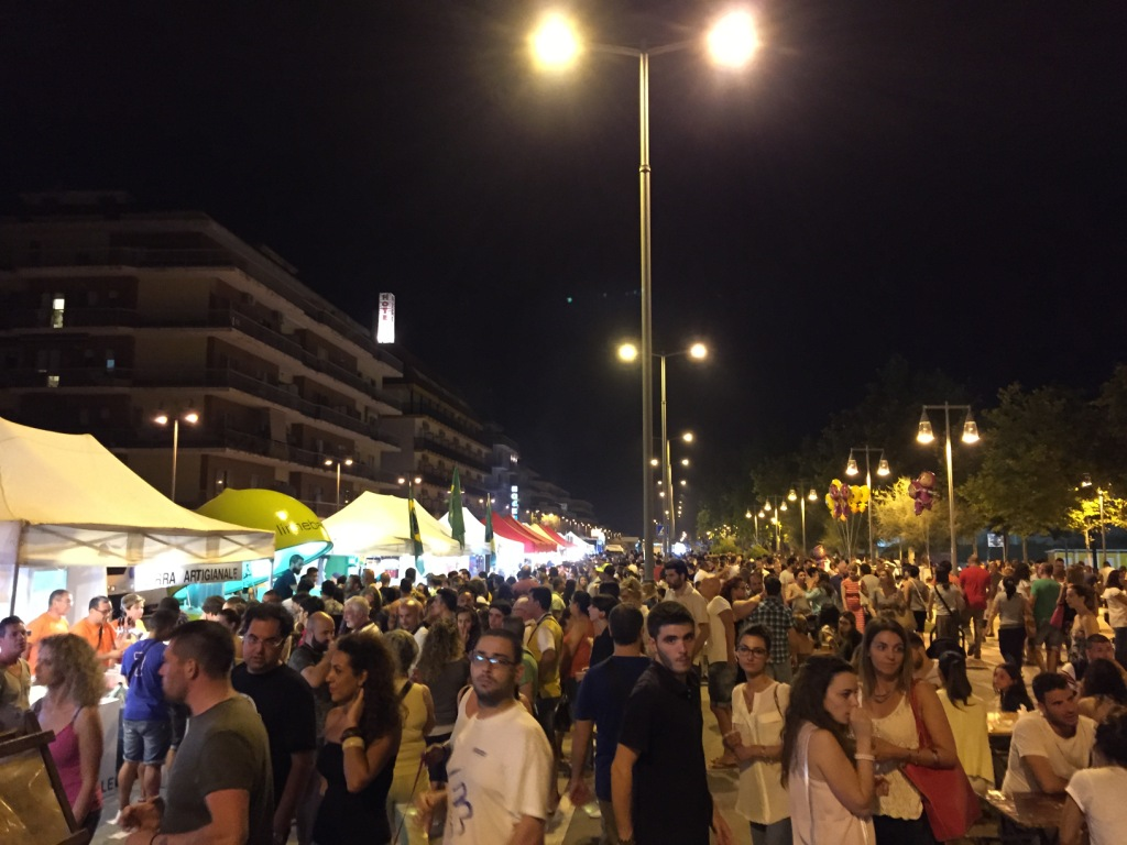 Pescara, torna lo Street Food Village