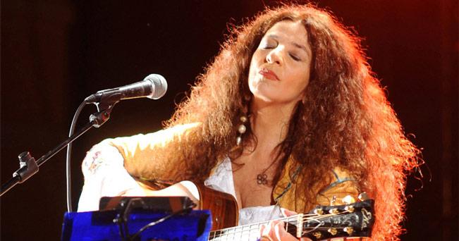 Francavilla al mare: Teresa De Sio canta Pino Daniele