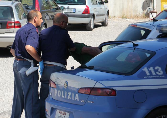 Chieti: reagisce con violenza al rimpatrio, arrestato