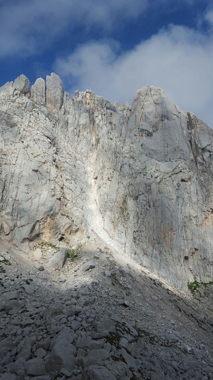 Terremoto, chiusa strada dopo cedimento Corno Piccolo