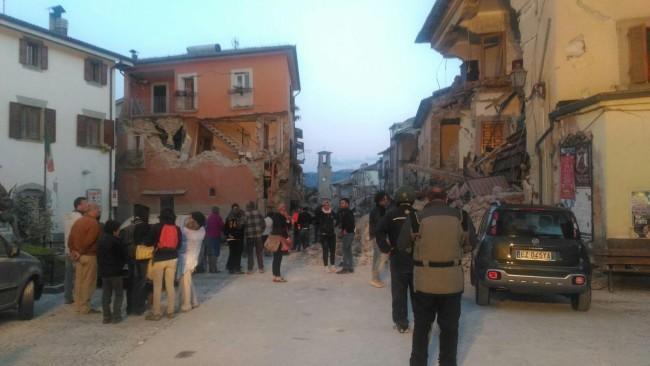 Sisma Centro Italia: le macerie di Amatrice a Paganica