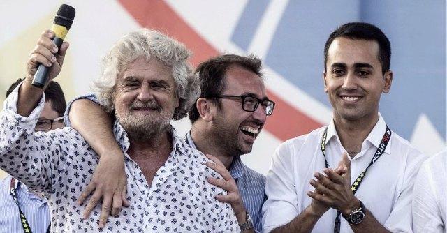 Grillo, Di Maio e Di Battista a Giulianova per il NO
