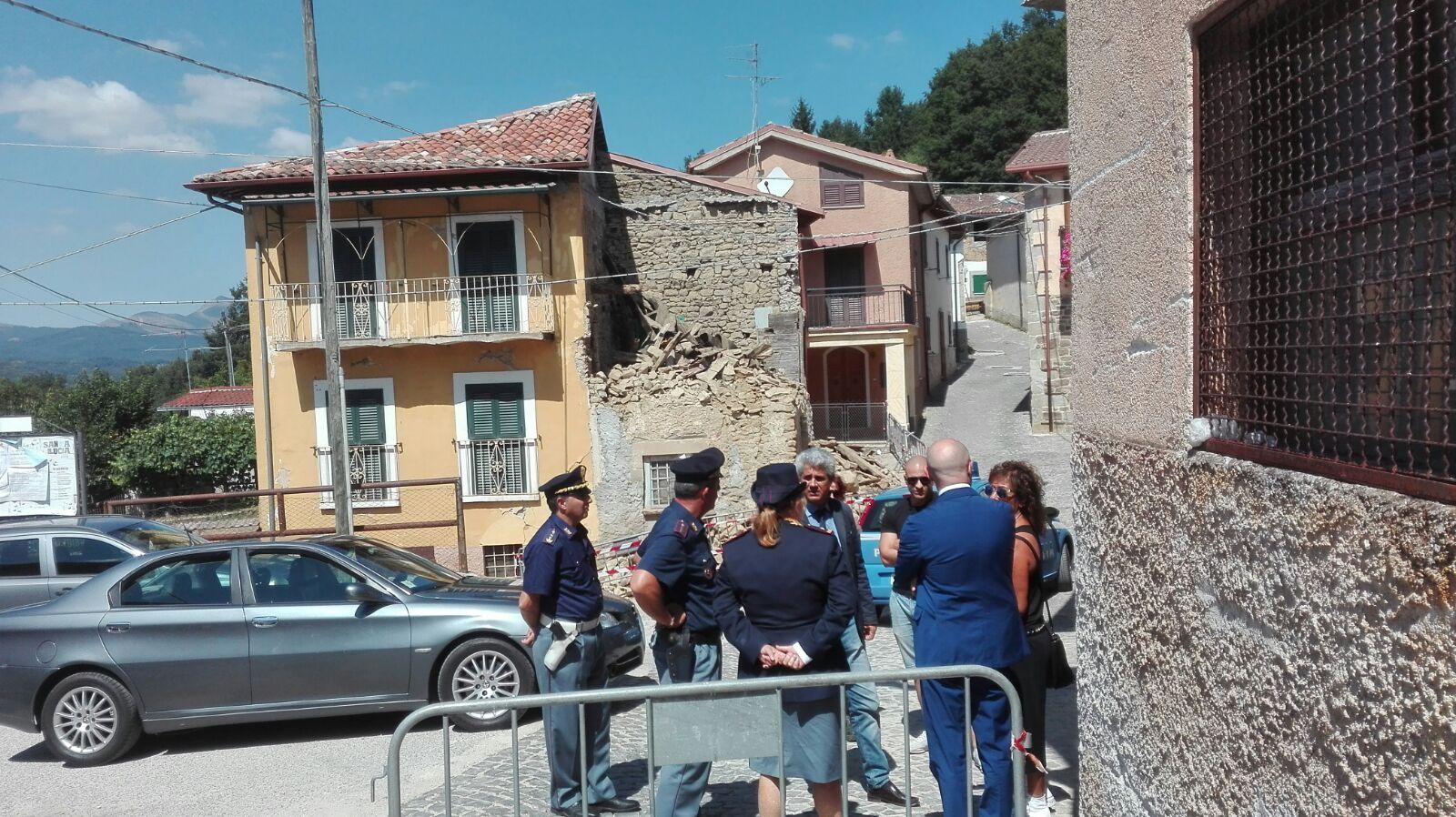 Terremoto, sopralluogo della questura a Montereale