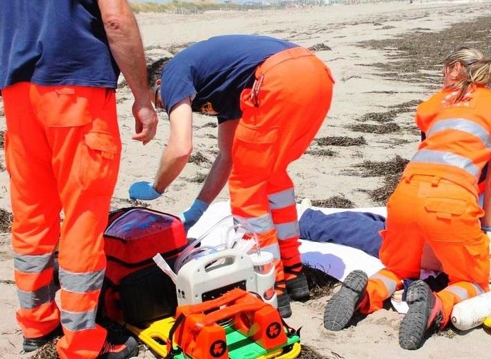 Montesilvano: malore in mare, muore 83 enne