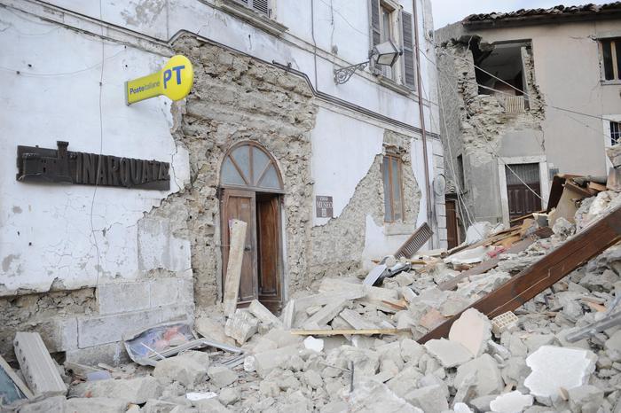 Terremoto centro Italia: scampata sisma L'Aquila perde la figlia
