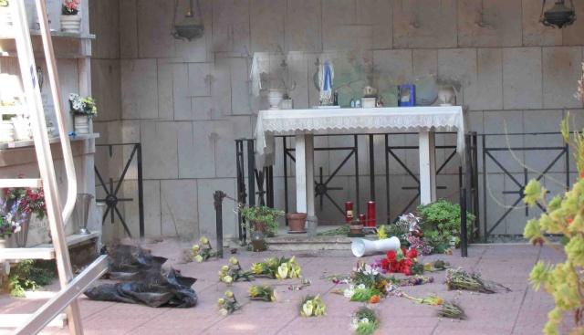 Cimitero Giulianova: vandalismi e sesso tra le tombe