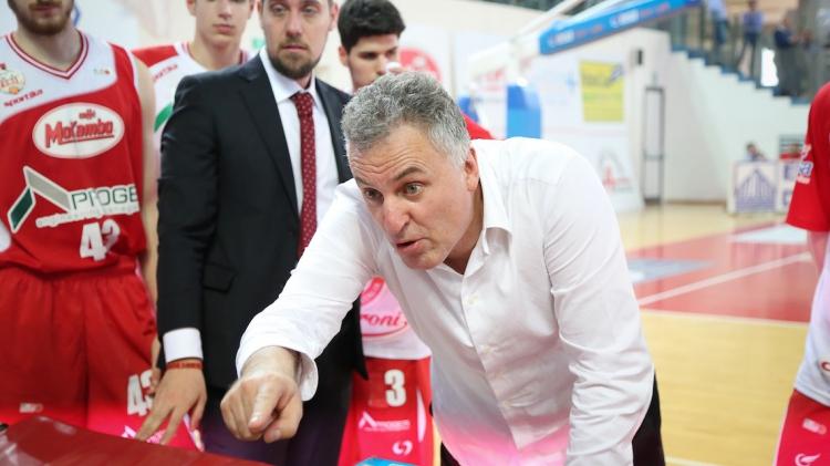 Basket Proger Chieti – Parola al coach