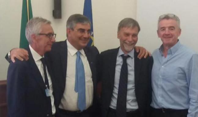 Ryanair resta a Pescara: incontro positivo da Delrio