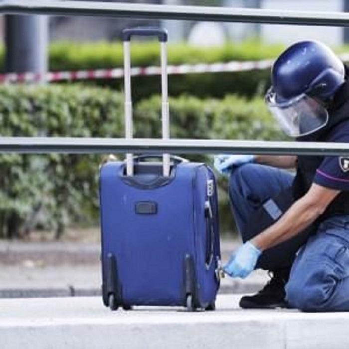 Montesilvano: trolley sospetto, allarme bomba