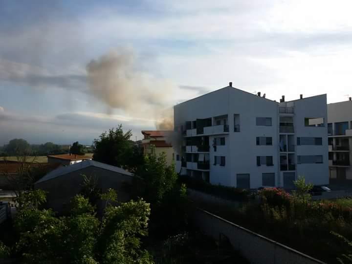 Spoltore, fiamme in appartamento