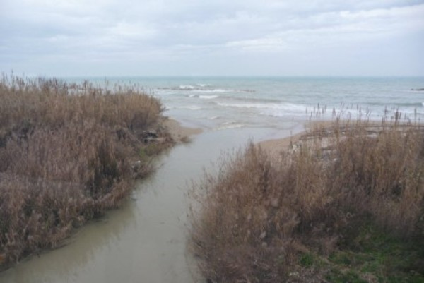 Ortona: salmonella nel fiume Foro, ordinanza del sindaco