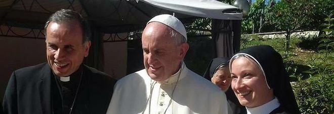 Visita a sorpresa di papa Francesco in Abruzzo