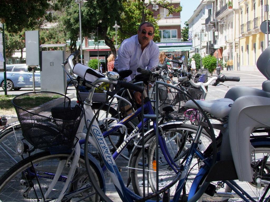 Nuove rastrelliere e parcheggi a Pescara