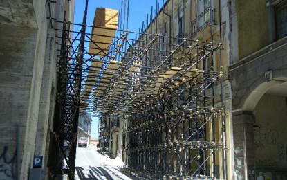 L'Aquila: manifestazione lavoratori edili