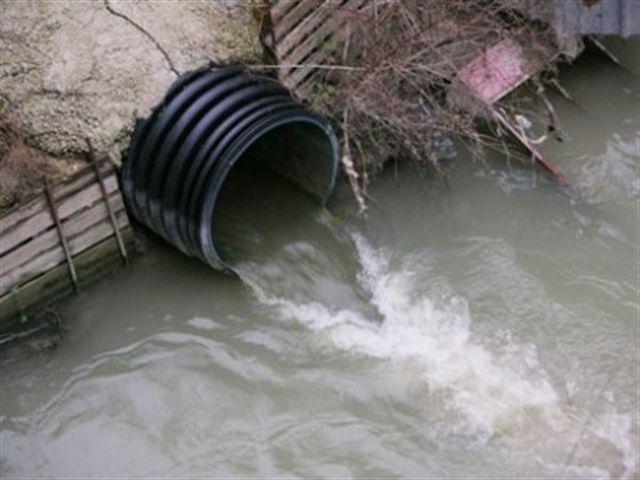 Pescara, ACA: sversamento nel fiume per qualche minuto