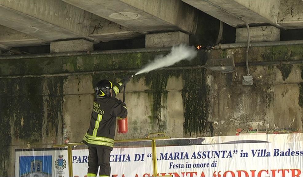 Villareia, principio di incendio sotto asse attrezzato