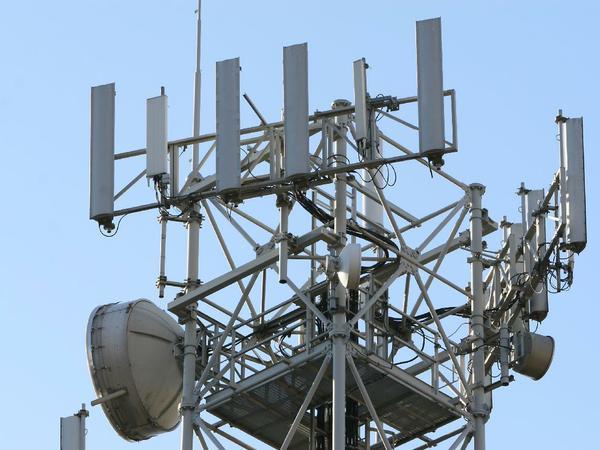 """Pescara, il Comune """"taglia"""" anche le antenne Vodafone"""