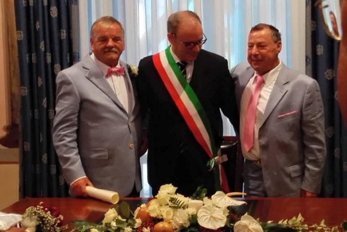 Pineto: Bruno e Orlando sposi in Comune