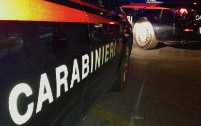 Montesilvano: sfondano vetrine con auto per rubare