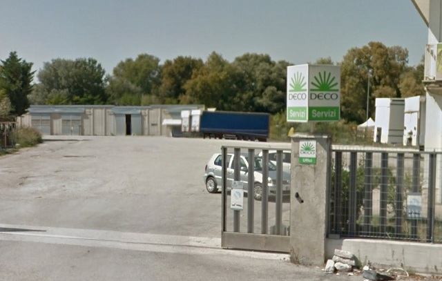 Pescara, alla DECO rubati due camion a rimorchio