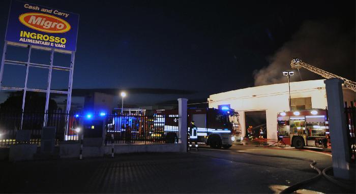 Incendio all'ingrosso Migro di Pescara