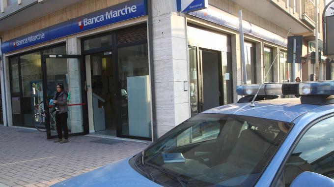 Rapina Banca Marche a Teramo: Tutti assolti