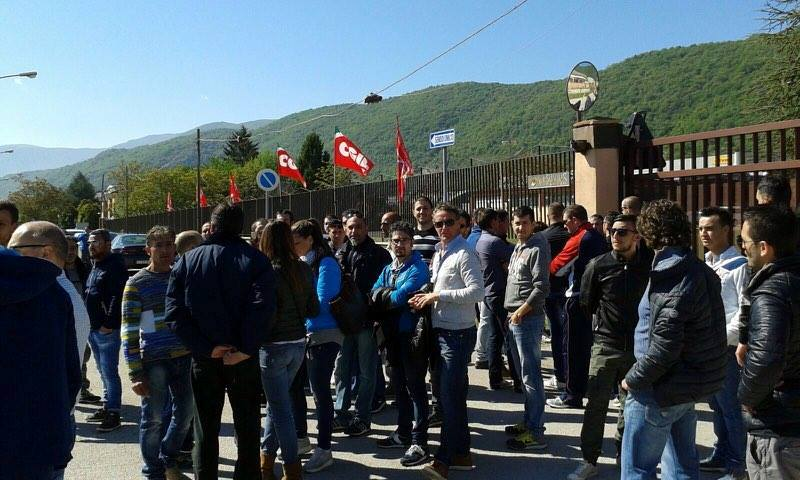 Avezzano, la Vesuvius chiude licenziando 81 operai