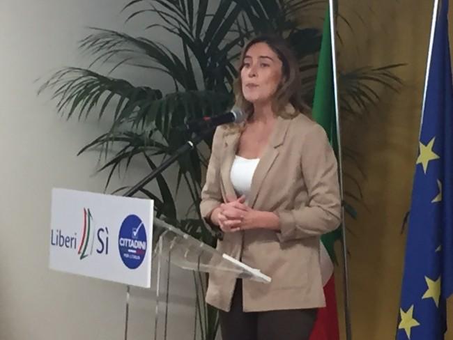 """La ministra Boschi in Abruzzo per il referendum: """"cambiamento ora o mai più"""""""