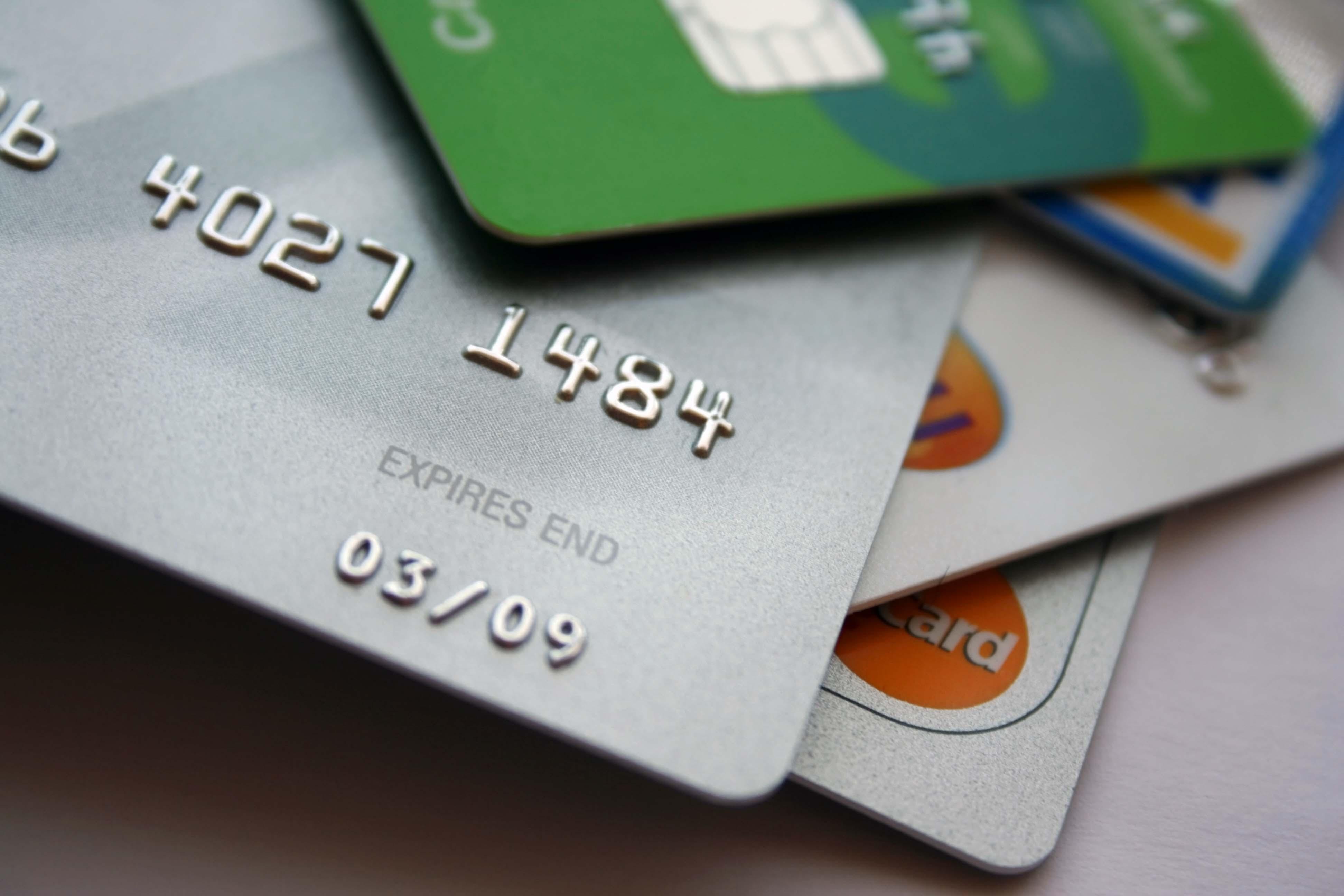 Tagliacozzo: ruba carta di credito, denunciato