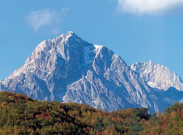 Abruzzo, prima neve sul Gran Sasso e sulla Majella
