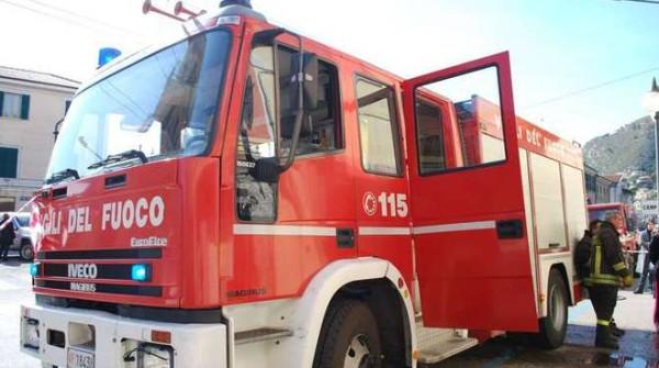 Guardiagrele: paura per il fienile a fuoco a Caporosso