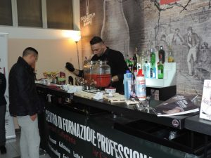 Foto barman all'Open Night