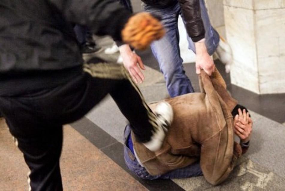 Pescara: botte ad un connazionale, arrestati due rumeni