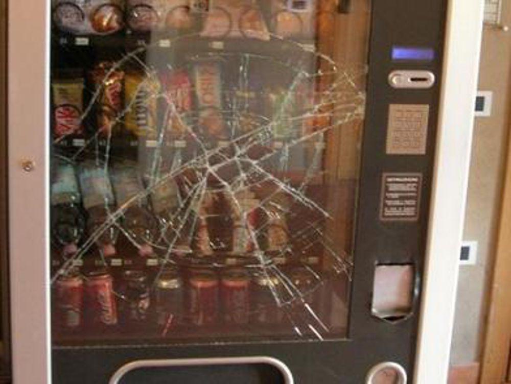 Catturato nella notte ladro di distributore di merendine - Cronaca Pescara