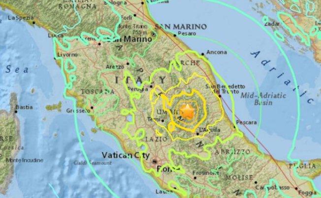 Terremoto Centro Italia, ancora scosse di magnitudo 4.4: sciame sismico nella notte