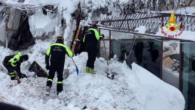 "Tragedia Rigopiano, premiati i Vigili ""eroi"""