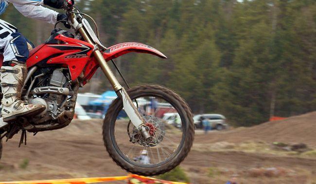 Fa motocross a Alanno. Incidente a 59enne chietino