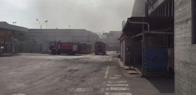 Pescara: incendio alla TUA (Ex GTM), in fiamme due autobus