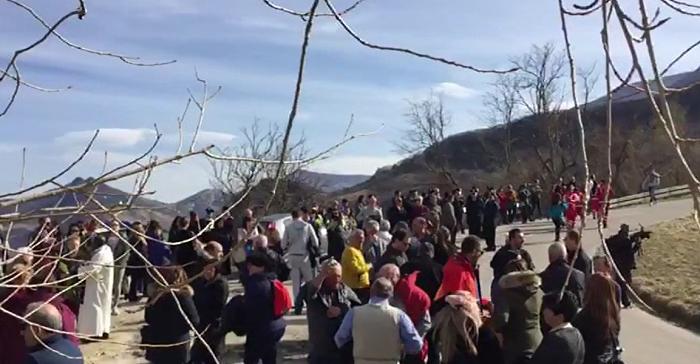 Rigopiano: in 1.500 alla fiaccolata per vittime valanga
