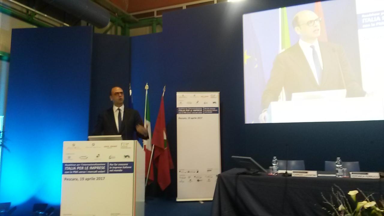 Turchia, delegazione italiana dal blogger Del Grande in cella. Campagna social: