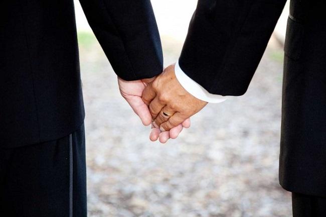 Vasto: celebrate le prime nozze gay in città