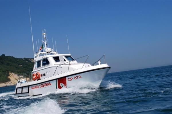 Martinsicuro: si tuffa da barca, soccorso da Capitaneria