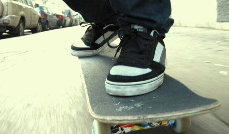 Collarmele: con skate contro auto, grave 37 enne