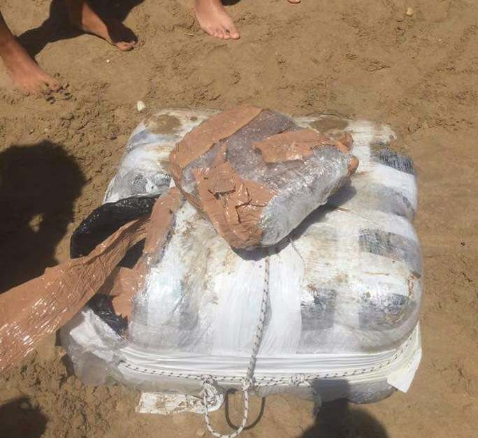 Sulle spiagge abruzzesi sbarcano pacchi di marijuana