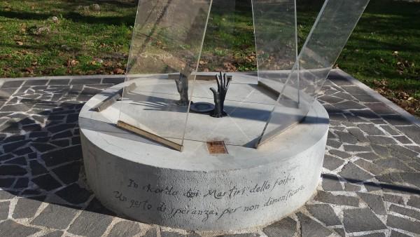 Lanciano: danni al monumento ai martiri delle Foibe