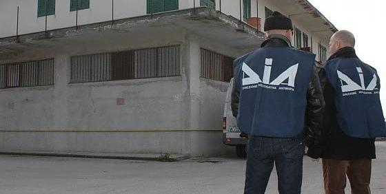 Blitz della polizia, confiscati beni per 324 mln a imprenditore oleario