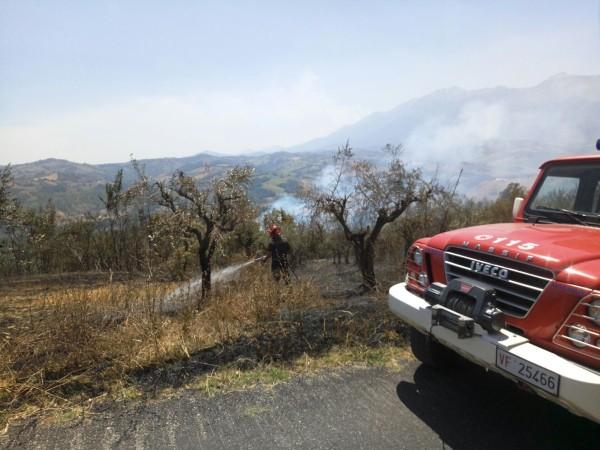 Incendi nel teramano situazione sotto controllo