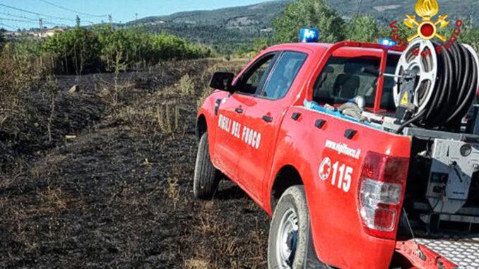 Avezzano, Vigili del Fuoco al lavoro a Torano per un incendio