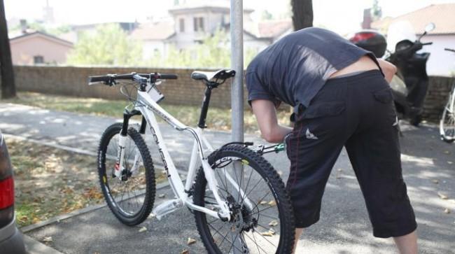 Giulianova: ruba bici, ma viene consegnato ai carabinieri
