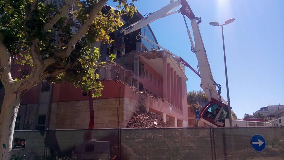 Francavilla: Palazzo Sirena, sindaco difende demolizione